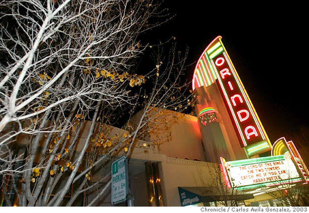 The Marquee of the Orinda Theater on Saturday, January 4, 2003. The historical theater has been renovated and restored to the classic Art Deco style. (BY CARLOS AVILA GONZALEZ/THE SAN FRANCISCO CHRONICLE) Photo: CARLOS AVILA GONZALEZ