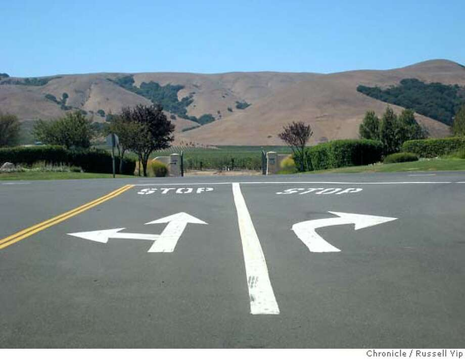 MAGTOC  Arrows on a Sonoma road point out options.  By Russell Yip/The Chronicle Photo: RUSSELL YIP
