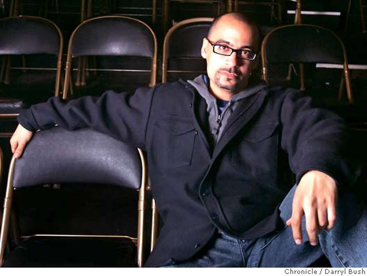 """diaz22_0032_db.JPG Junot Diaz author of """"Drown,"""" a short-story collection, at the Intersection for the Arts in the Mission district. Event on 4/15/06 in San Francisco. Darryl Bush / The Chronicle MANDATORY CREDIT FOR PHOTOG AND SF CHRONICLE/ -MAGS OUT"""