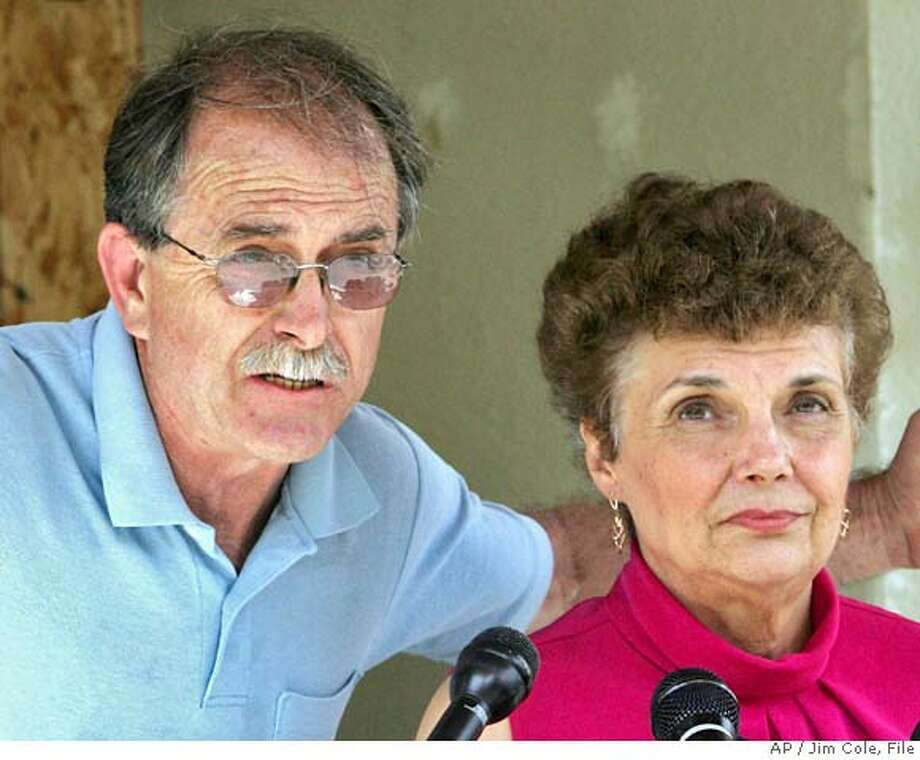 **FILE** Ed and Elaine Brown talk to reporters during a news conference in Plainfield, N.H., in this June 18, 2007 file photo. According to the U.S. Marshall's office, the couple was arrested without incident Thursday evening Oct. 4, 2007 after refusing to turn themselves into authorities following an April sentencing for tax evasion (AP Photo/Jim Cole, FILE) **JUNE 18, 2007 FILE PHOTO** Photo: Jim Cole
