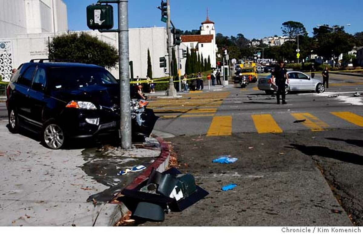 ACCIDENT_030_KK.JPG Two autos collide at Sloat and 19th Avenue just after 2pm Tuesday. Photo by Kim Komenich/The Chronicle ** MANDATORY CREDIT FOR PHOTOG AND SAN FRANCISCO CHRONICLE. NO SALES- MAGS OUT.