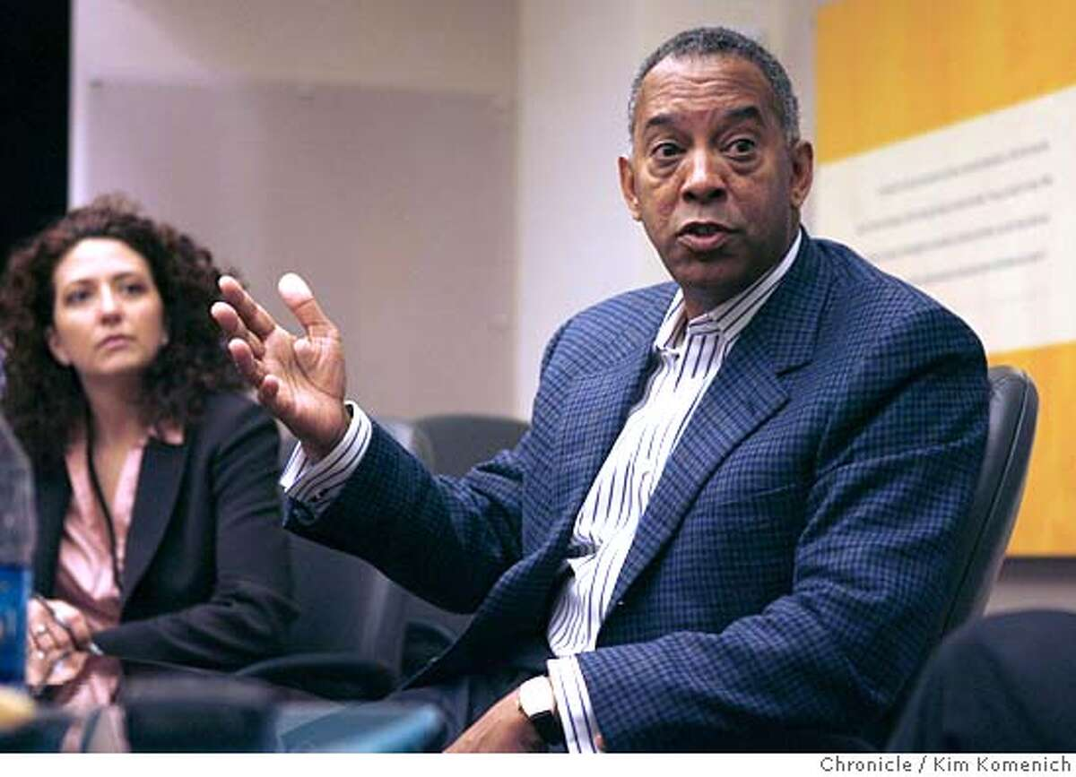 SYMANTEC13_032_KK.JPG Symantec Chairman and CEO John W. Thompson holds a press briefing at Symantec's Cupertino World Headquarters Wednesday. At left is Symantec Vice President for Corporate Communications Genevieve Haldeman. San Francisco Chronicle photo by Kim Komenich 4/12/06 �2006, Kim Komenich/The San Francisco Chronicle