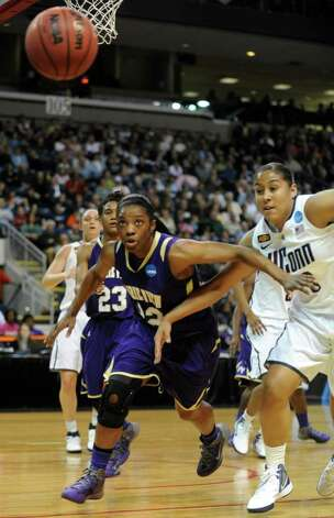 Connecticut takes on Prairie View A&M during the first-round NCAA tournament college basketball game at the Webster Bank Arena in Bridgeport, Conn. Saturday, Mar. 17, 2012. Photo: Autumn Driscoll / Connecticut Post