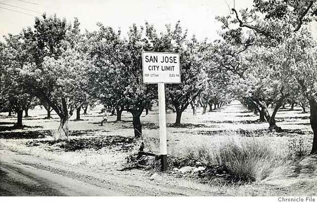 SVHISTORY30_PH1.jpg Date Unknown - San Jose city limit sign. photographer unknown/ San Francisco Chronicle File Photo Photo: Photographer Unknown