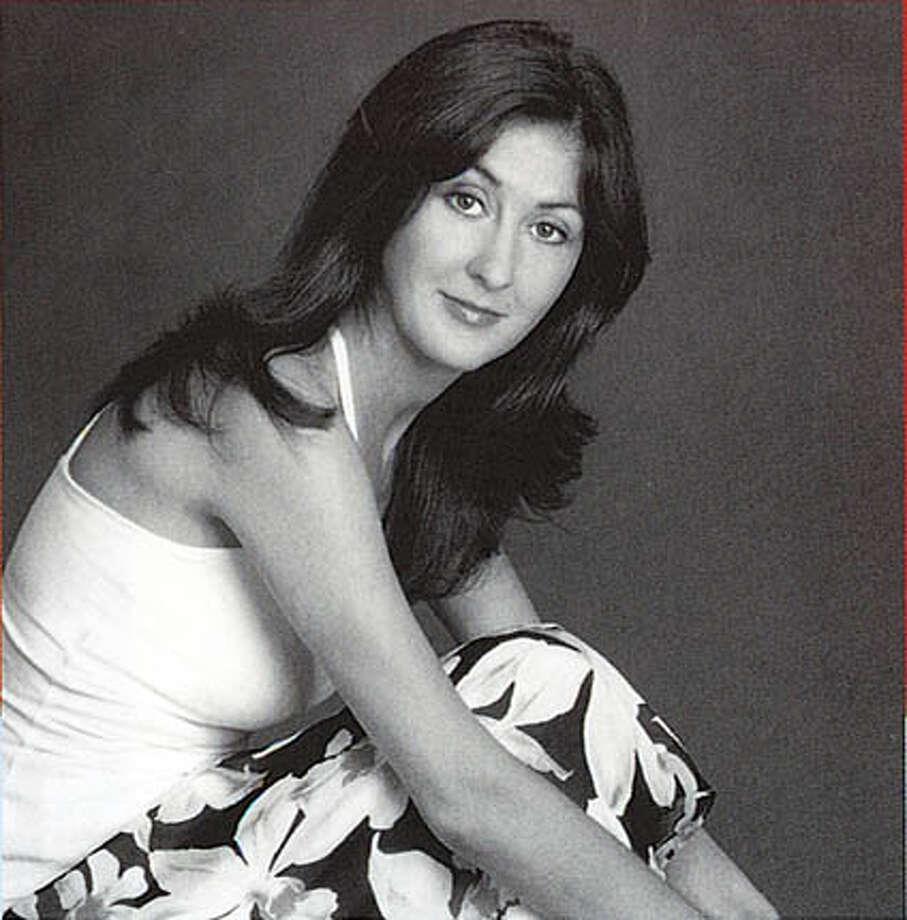 Lara Vapnyar. Photo by Sigrid Estrada