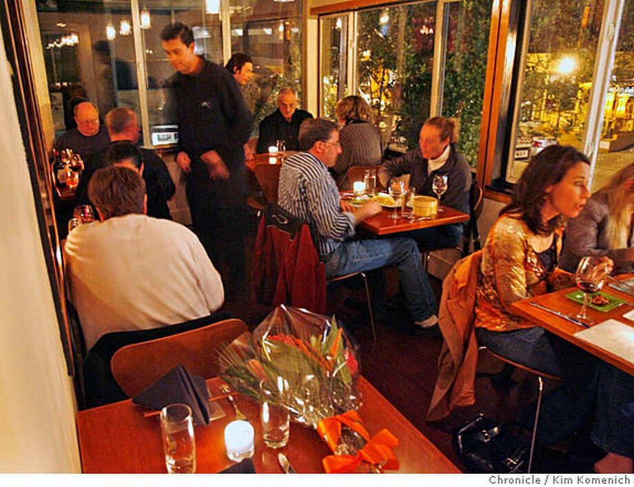 DINING29_041_KK.JPG  Restaurant review of Ora restaurant in Mill Valley. Overall of one of two rooms in the front of the restaurant.  San Francisco Chronicle photo by Kim Komenich  3/22/06 � Copyright 2006 Kim Komenich/San Francisco Chronicle Photo: Kim Komenich