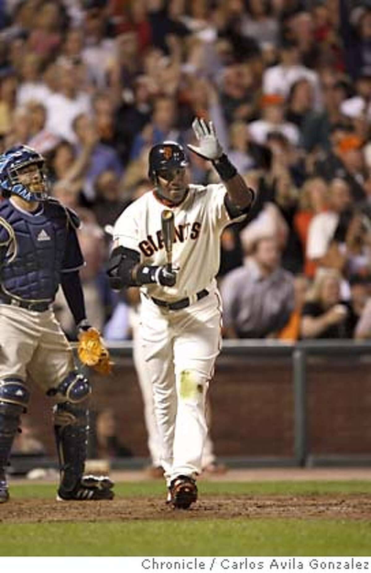 GIANTS27_0021_CAG.JPG Barry Bonds slaps his bat after popping out deep to center field in his last at-bat as a San Francisco Giant. Barry Bonds bids farewell to the fans at AT&T Park. The San Francisco Giants played the San Diego Padres at AT&T Park in San Francisco, Ca., on Wednesday, September 26, 2007. This game marks the end of Barry Bonds's career as a Giant in front of the home crowd, as he has been informed that he will not return to the team by the team's management. Photo by Carlos Avila Gonzalez/The Chronicle Photo taken on 9/26/07, in Pacifica, CA, USA. **All names cq (source)