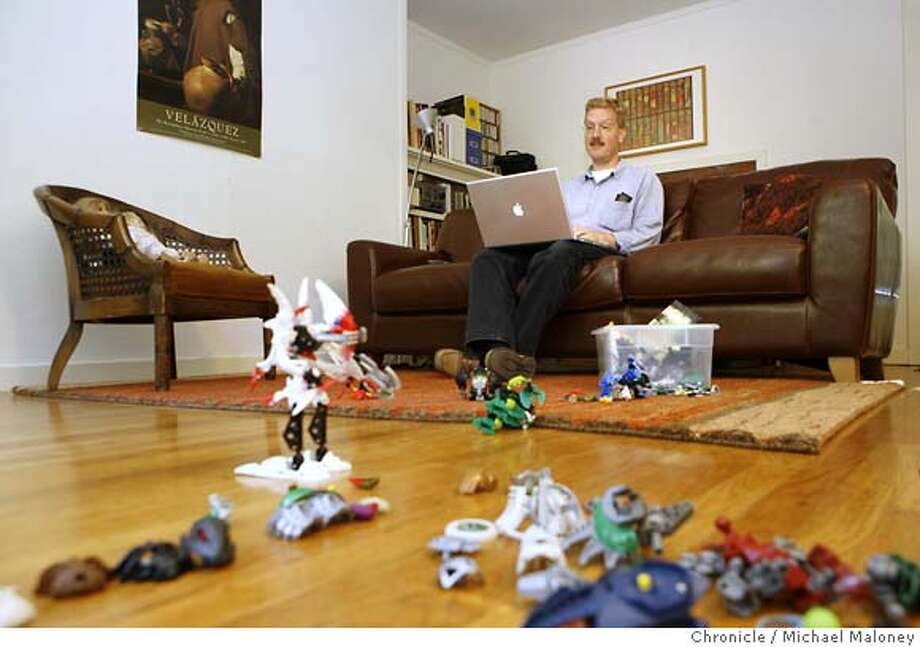 Patrick Killelea works on his blog in the toy strewn living room of his rented home in Menlo Park.  Patrick Killelea has always believed that the housing market was a big bubble waiting to implode. Through his blog, Patrick.net, he expresses his view that home prices have become way overinflated. He practices what he preaches, refusing to buy a house. Instead the software engineer rents a modest Menlo Park house for his family, a wife and two children. Photo taken on 9/19/07 near Menlo Park, CA. Photo by Michael Maloney / San Francisco Chronicle  ***Patrick Killelea MANDATORY CREDIT FOR PHOTOG AND SF CHRONICLE/NO SALES-MAGS OUT Photo: Michael Maloney