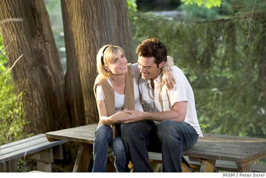 """Radha Mitchell and Billy Burke in """"Feast of love"""" 2007 MGM PHOTOGRAPHS TO BE USED SOLELY FOR ADVERTISING, PROMOTION, PUBLICITY OR REVIEWS OF THIS SPECIFIC MOTION PICTURE AND TO REMAIN THE PROPERTY OF THE STUDIO. NOT FOR SALE OR REDISTRIBUTION. Photo: Peter Sorel"""