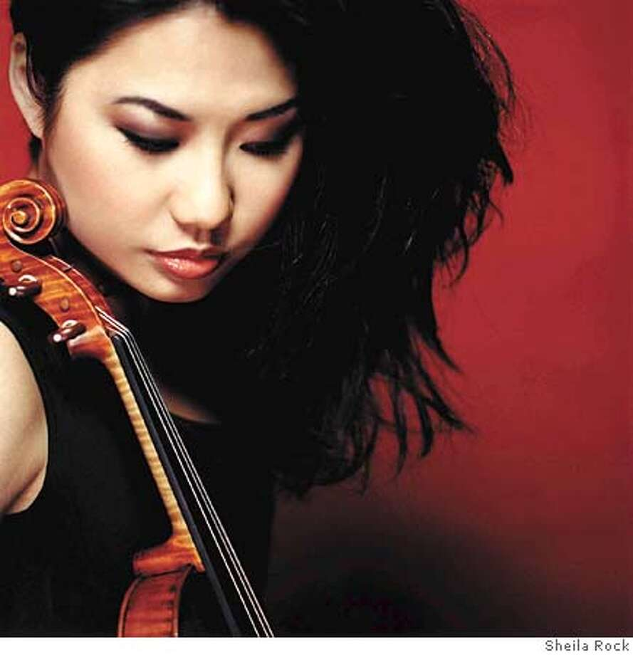 Sarah Chang at the San Francisco Symphony.  Photograph by Sheila Rock Photo: Sheila Rock