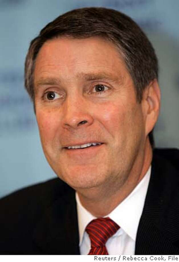 Senate Majority Leader Bill Frist (R-TN) speaks with the media after addressing the Detroit Economic Club in Detroit, Michigan February 27, 2006. Frist spoke about various domestic and global economic issues and the need to reform America's health care system. REUTERS/Rebecca Cook 0 Photo: REBECCA COOK