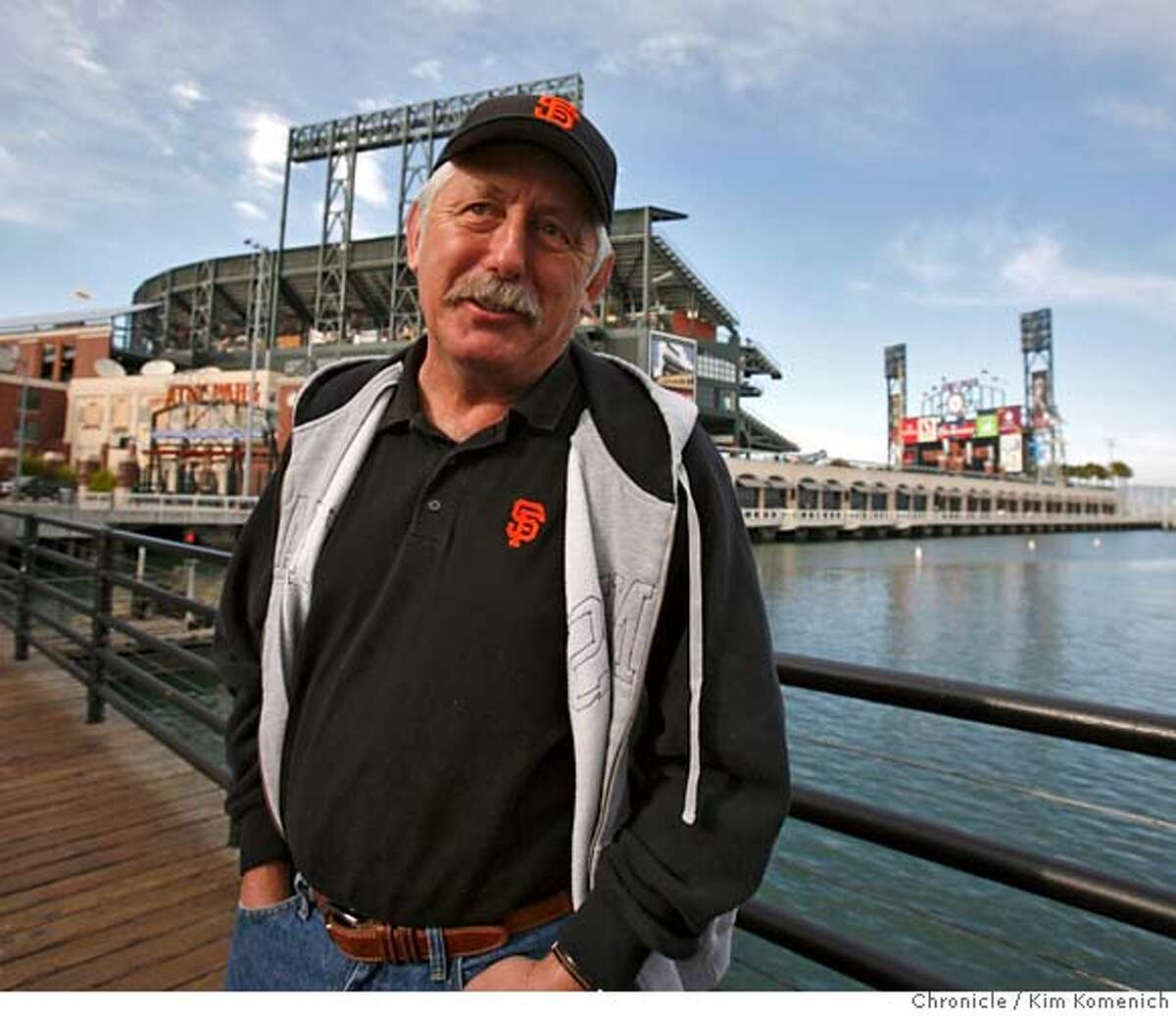 BONDSREACT_034_KK.JPG Luigi Dentone, 57 of Santa Cruz is amongs fans arriving for Friday night's game reacting to the announcement that Barry Bonds will be leaving the Giants. Photo by Kim Komenich/The Chronicle **Luigi Dentone MANDATORY CREDIT FOR PHOTOG AND SAN FRANCISCO CHRONICLE. NO SALES- MAGS OUT.