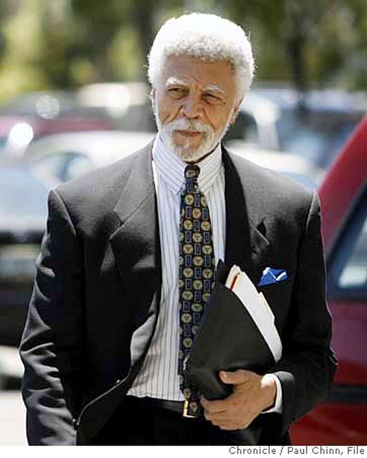 Oakland Mayor Ron Dellums arrives at a Federal mediator's office in Oakland, Calif. on Wednesday, July 18, 2007 eager to participate in a new round of negotiations as the labor dispute between Waste Management and union workers drags on.  PAUL CHINN/The Chronicle  **Ron Dellums  Ran on: 07-24-2007  Oakland Mayor Ron Dellums is involved in talks to end the lockout of garbage truck drivers. MANDATORY CREDIT FOR PHOTOGRAPHER AND S.F. CHRONICLE/NO SALES - MAGS OUT Photo: PAUL CHINN
