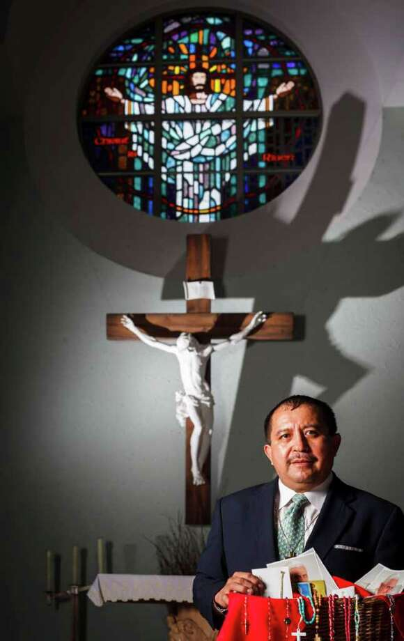 Pedro Salas, a St. Jerome Catholic Community deacon, will travel to Mexico to see the pope. Photo: Michael Paulsen / © 2012 Houston Chronicle