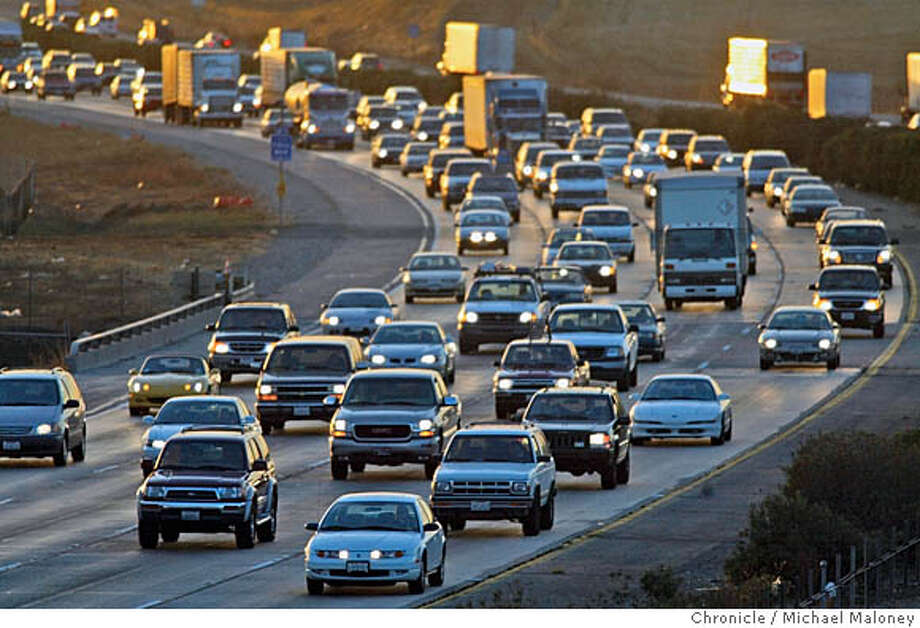 CVALLEYj-C-01NOV02-MT-MJM  Evening commute traffic is backed up along eastbound I580 at the base of the Altamont Pass near Livermore.  The cost of owning a home in the bay area is so high that many homebuyers are looking as far away as Lodi and Los Banos in the Central Valley for a home of their own. They pay a price however with increased traffic and commute hours.  CHRONICLE PHOTO BY MICHAEL MALONEY  ALSO RAN 03/07/03 Ran on: 01-31-2006  Traffic backs up along eastbound Interstate 580 near Livermore, where toll lanes might help ease the congestion. CAT Photo: MICHAEL MALONEY