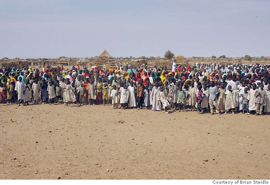 Approximately 7,000 refugees arrived in Menawashi, Darfur, in  just a few days. Photo courtesy of Brian Steidle