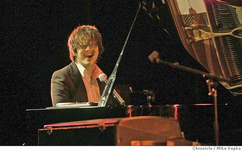 cullom06091seqn}_mk.JPG British piano rocker, Jamie Cullom gave a sold out performance Saturday night at the Palace of Fine Arts.  Mike Kepka / The Chronicle MANDATORY CREDIT FOR PHOTOG AND SF CHRONICLE/ -MAGS OUT Photo: Mike Kepka