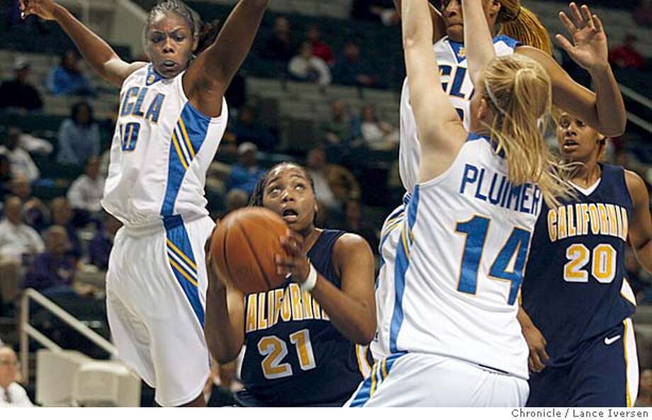 CALWOMEN05_0111.jpg_  California guard, #21 Alexis Gray-Lawson is swarmed over by UCLA as she attempts to take a shot in first half of NCAA women's basketball action, Saturday, March 4, 2006 in San Jose, Calif. By Lance Iversen/San Francisco Chronicle MANDATORY CREDIT PHOTOG AND SAN FRANCISCO CHRONICLE. Photo: Lance Iversen