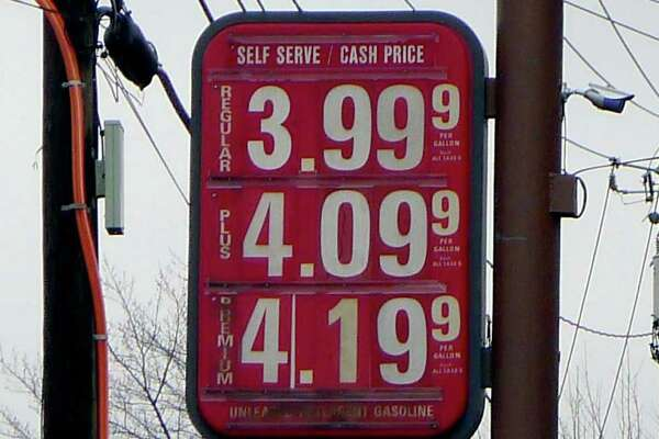 Legal, but deceptive, gas price signs