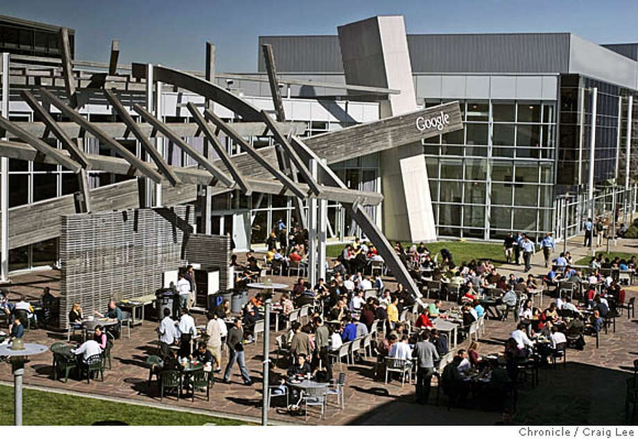 GOOGLE01_384_cl.JPG  The Google food culture, the dining rooms and chefs at Google. Photo of people eating lunch outside at Google, just outside of the No-Name Cafe.  Craig Lee / The Chronicle MANDATORY CREDIT FOR PHOTOG AND SF CHRONICLE/ -MAGS OUT Photo: Craig Lee