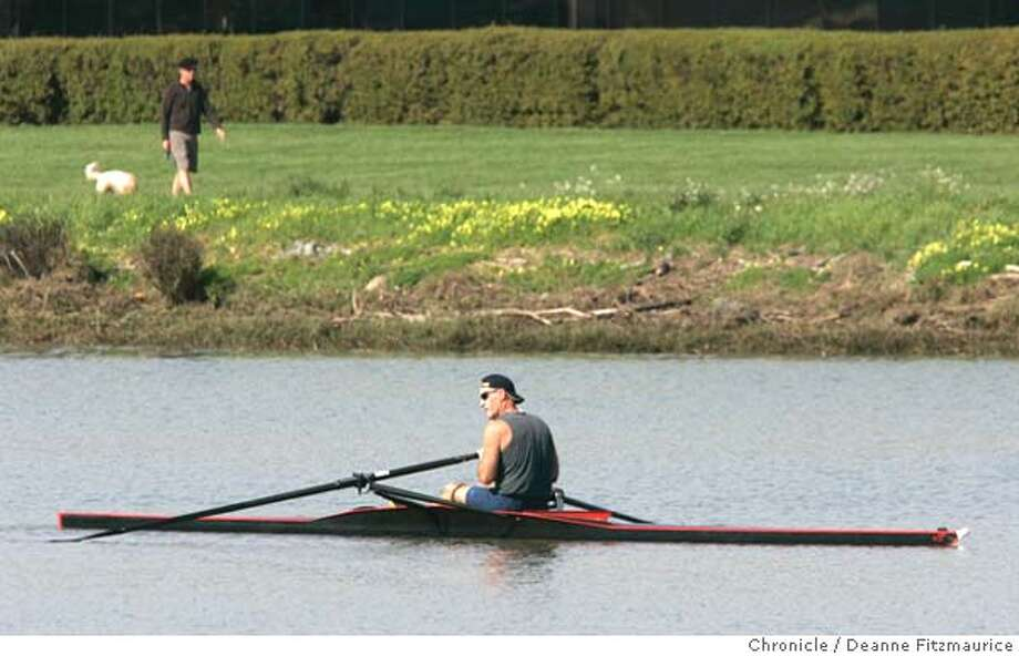 feature_007_df.JPG  A man rows along Corte Madera Creek. People were out enjoying the warm weather.  San Francisco Chronicle photo by Deanne FitzmauriceRan on: 02-26-2006  Photo caption Photo: Deanne Fitzmaurice