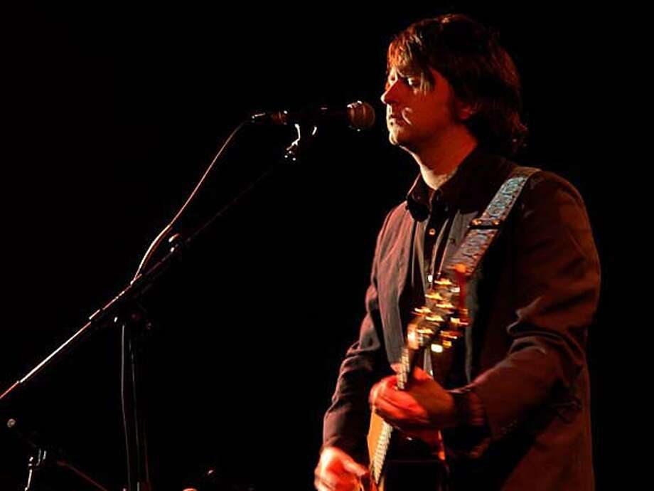Ben Chasny of the San Francisco psych-folk band Six Organs of Admittance. Photo courtesy diapena.free.fr