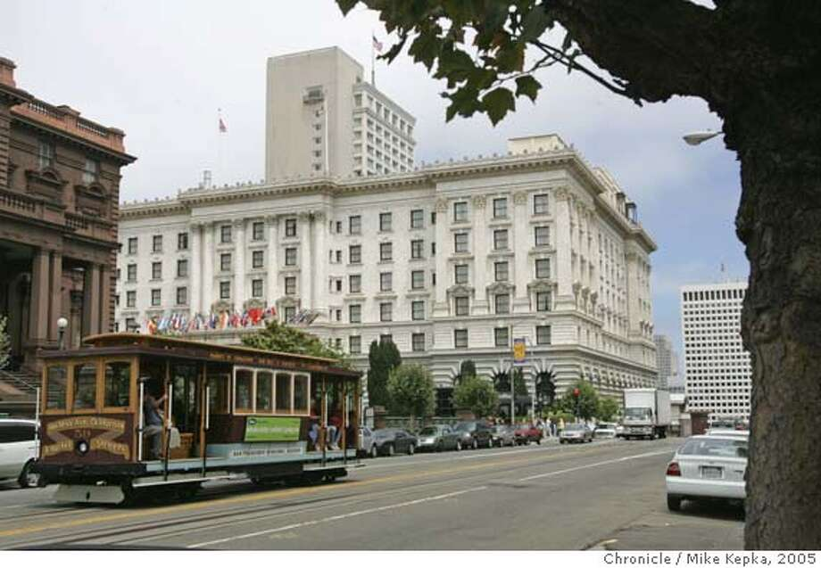 fairmont069_mk.JPG The Fairmont Hotel in in San Francisco plans to put condos in the back tower. 7/18/05 Mike Kepka / The Chronicle Ran on: 07-20-2005  The Fairmont, a landmark 591-room hotel in San Francisco, says it plans to convert the 226 rooms in its tower wing into condos. Ran on: 12-23-2005  The Fairmont Hotel in San Francisco is part of the chain owned by a Canadian company. MANDATORY CREDIT FOR PHOTOG AND SF CHRONICLE/ -MAGS OUT Photo: Mike Kepka