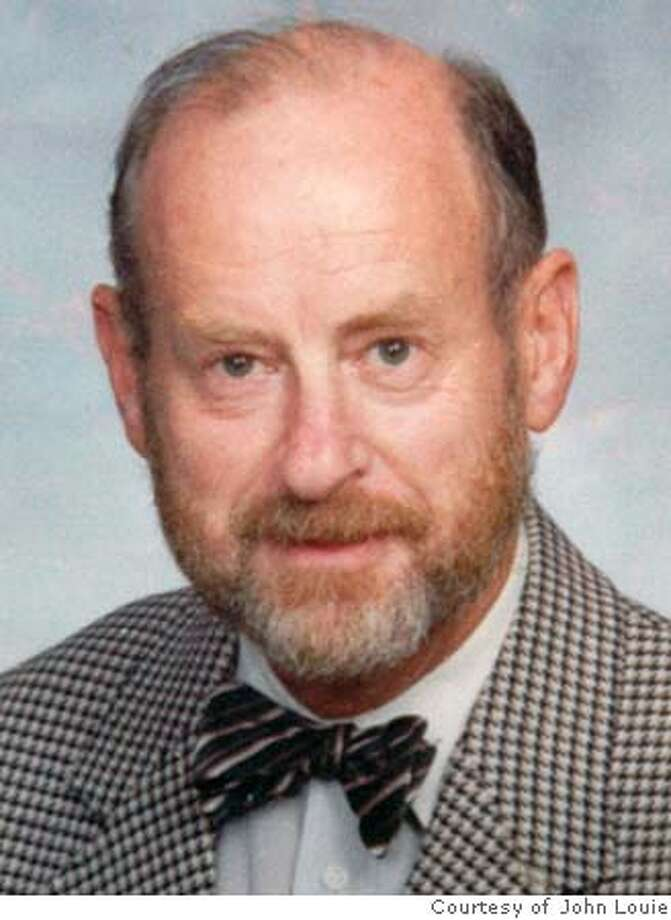 DONOVAN24 - Earthquake engineer Neville Clevely Donovan, whose seismic desing of the 800-mile long Trans-Alaska pipeline is credited with keeping it intact during the magnitude 7.9 Denali earthquake in 2002, has died in San Rafael. Photo supplied by John Louie [mailto:johnlouie@paradise.net.nz Photo: HO