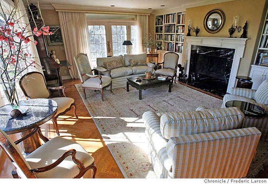{object name} Sandra Jordan home in Headsburgs, CA. Detail furniture display in her living room.  2/9/06  Frederic Larson Photo: Frederic Larson
