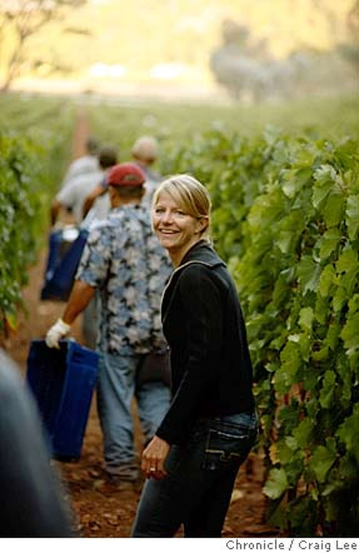 VINEYARD14_267_cl.JPG Story about women vineyard managers. Photo of Annie Favia, co-owner of Favia Wines and vineyard management consultant. Photo of Annie Favia overseeing the first day of their harvest in St. Helena. on 8/28/07 in San Francisco. photo by Craig Lee / The Chronicle MANDATORY CREDIT FOR PHOTOG AND SF CHRONICLE/NO SALES-MAGS OUT