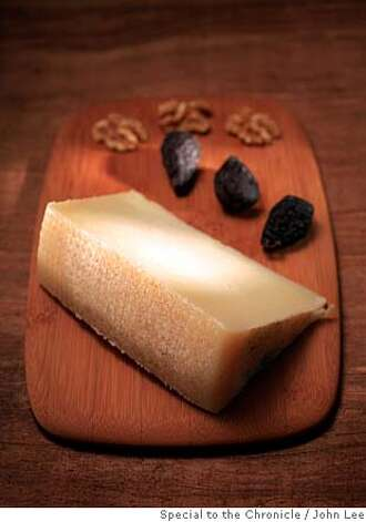 CHEESE_02_JOHNLEE.JPG  Roth's Private Reserve cheese.  By JOHN LEE/SPECIAL TO THE CHRONICLE Photo: John Lee