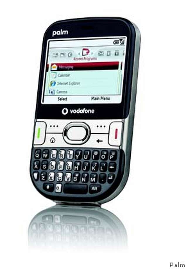 Palm Inc. unveiled the Treo 500v for Europe Wednesday,  signaling the first major body change for its Treo line of smartphones.  Credit: Palm Photo: Palm Inc.