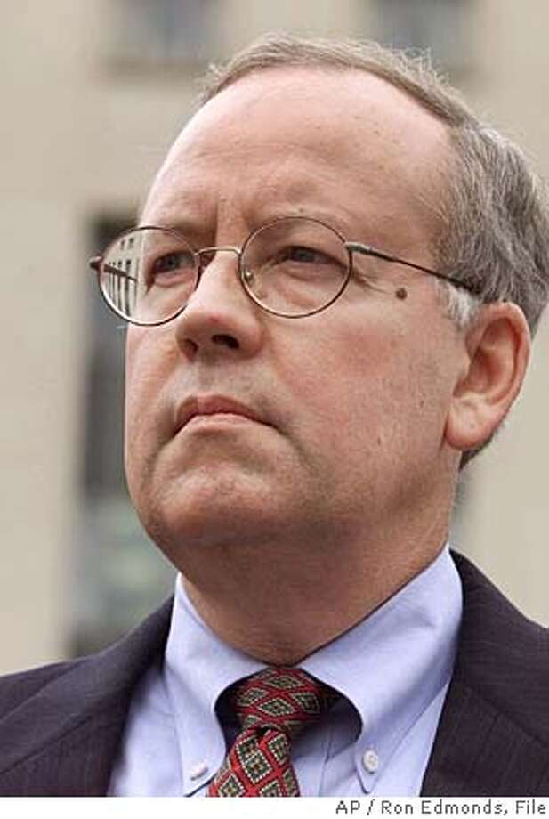 ** FILE **Prosecutor Kenneth Starr faces reporters outside U.S. Federal Court Wednesday June 30, 1999 in Washington. The 2002 law born of corporate scandals that reshaped boardrooms and the accounting industry is being challenged on constitutional grounds for the first time by unabashedly pro-business conservatives. Their big-guns legal team includes Kenneth Starr, best known as the special prosecutor in the Monica Lewinsky affair.(AP Photo/Ron Edmonds, File)Ran on: 02-16-2006  Kenneth Starr gained fame as the inde- pendent counsel who investigated President Bill Clinton.Ran on: 02-16-2006  Kenneth Starr gained fame as the inde- pendent counsel who investigated President Bill Clinton. ** HOLD FOR STORY ** JUNE 30, 1999 FILE PHOTO Photo: RON EDMONDS