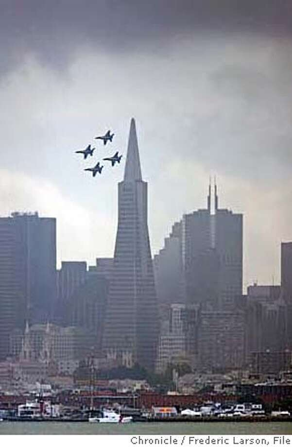The Blue Angels take their practice rounds over San Francisco in preparation for Fleet week seen from Sausalito.  10/6/06  {Frederic Larson} MANDATORY CREDIT FOR AND SAN FRANCISCO CHRONICLE/NO SALES-MAGS OUT Photo: Frederic Larson