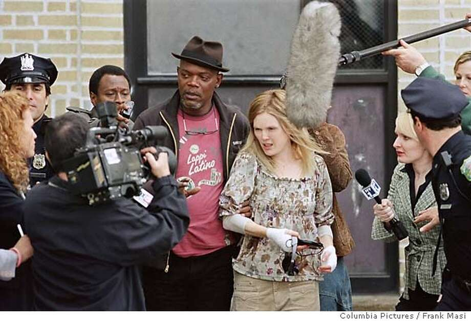 FL-167 - Samuel L. Jackson (l) and Julianne Moore star in Revolution Studios� powerful drama Freedomland, a Columbia Pictures release. Photo Credit: Frank Masi Photo: Frank Masi