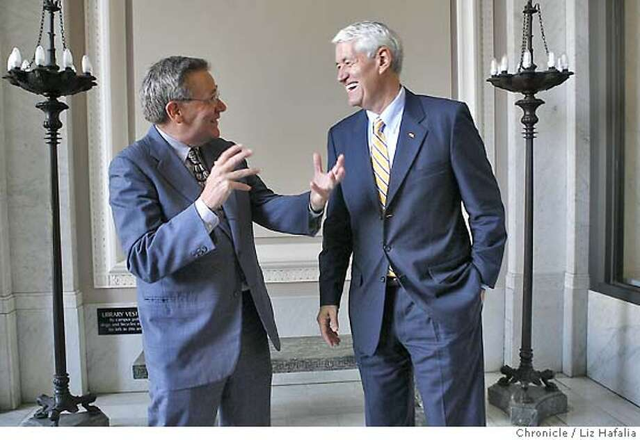 UCFUNDS11_035_LH_.JPG  Walter B. Hewlett (left), chairman of the William and Flora Hewlett Foundation, giving a donor gift of $113 million to UC Berkeley. Robert J. Birgeneau, chancellor of UC Berkeley at right.  Liz Hafalia/The Chronicle/BERKELEY/9/11/07  **Walter B. Hewlett, Robert J. Birgeneau cq Photo: Liz Hafalia
