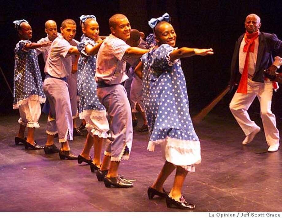 5/2/02---Royce Hall UCLA---PeruNegro performs at UCLA. Photo by jeff scott grace/ la opinionRan on: 02-12-2006  Photo caption Ran on: 02-12-2006  Photo caption Photo: Jeff Scott Grace