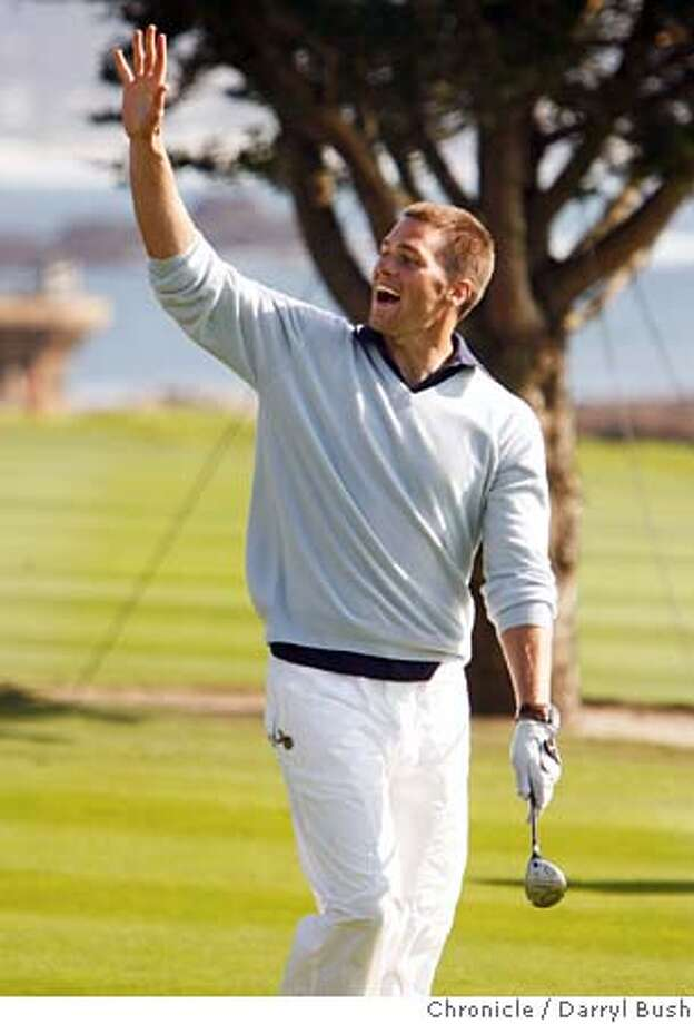 at&t_0336_db.JPG  Tom Brady waves to the crowd after reaching the green in two shots, on the 18th hole at Pebble Beach Golf Links in the third round of play at AT&T Pebble Beach National Pro-Am at Pebble Beach.  Event on 2/11/06 in Pebble Beach.  Darryl Bush / The Chronicle MANDATORY CREDIT FOR PHOTOG AND SF CHRONICLE/ -MAGS OUT Photo: Darryl Bush