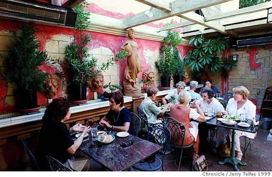 PNSILAN1/C/25AUG99/PF/JLT = RESTAURANT REVIEW / Lunch patrons enjoy patio dining at Silan restaurant in Los Altos, CA.  376 First Street - Los Altos, CA  BY JERRY TELFER/THE CHRONICLERan on: 02-09-2006  Lunch patrons enjoy sophisticated Italian dishes and reasonable prices at Silan in Los Altos. Photo: JERRY TELFER