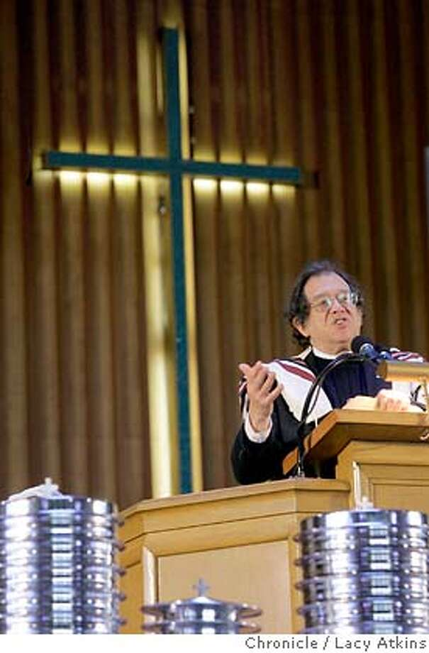 Rabbi Michael Lerner, delievers the Sunday service message at the Allen Temple Baptist Church in East Oakland Sunday, Feb. 5, 2006. He is the editor of Tikkun magazine and a leader of an effort among less conservative religious leaders to retrieve faith from the political right, launches the national tour for his forthcoming book at Allen Temple Baptist Church in East Oakland Sunday, Feb. 5, 2006.  Photographer: Atkins, Lacy MANDATORY CREDIT FOR PHOTOG AND SF CHRONICLE/ -MAGS OUT Photo: LACY ATKINS