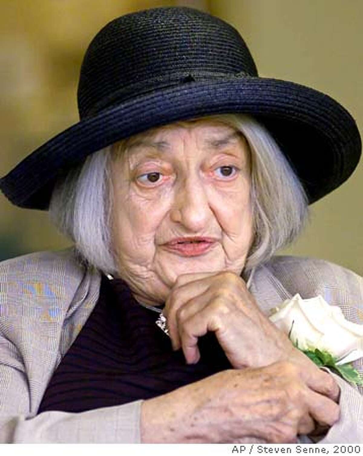 """** FILE ** Author and feminist, Betty Friedan, speaks at the annual meeting of the Hebrew Rehabilitation Center for Aged in Boston's Roslindale section, in this Sunday, May 7, 2000 file photo. Friedan, whose manifesto """"The Feminine Mystique"""" became a best seller in the 1960s and laid the groundwork for the modern feminist movement, died Saturday, Feb. 4, 2006, her birthday. She was 85. (AP Photo/Steven Senne)"""