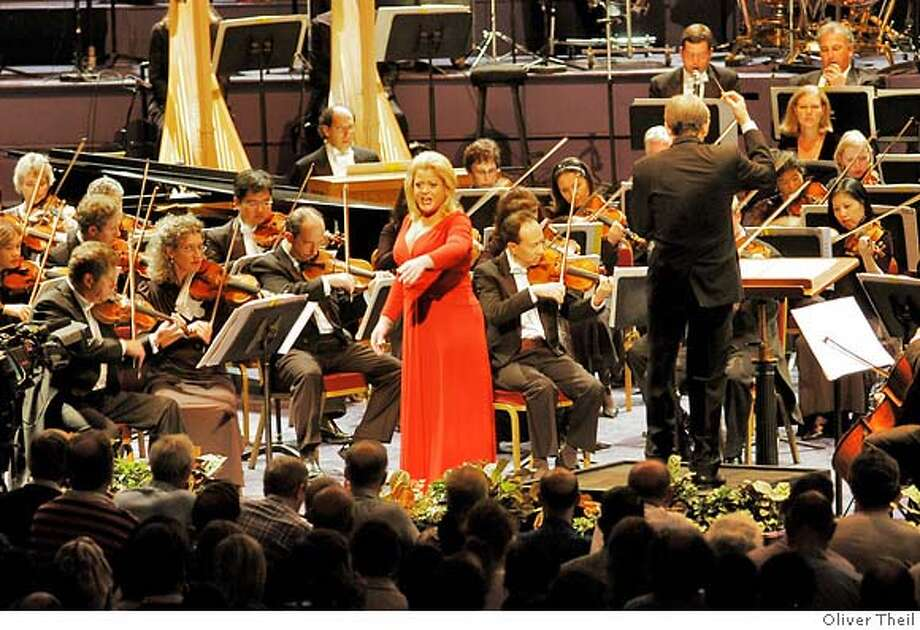 Caption: Soprano Deborah Voigt perfoms Strauss' Final scene from Salome with the San Francisco Symphony in Royal Albert Hall at the BBC Proms September 1, 2007. Photo Credit: Oliver Theil Photo: -