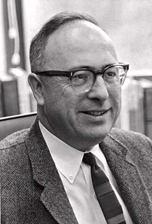 Obituary photo of Oscar Serbein, an emeritus faculty memeber at the Stanford Graduate School of business. Photo: N