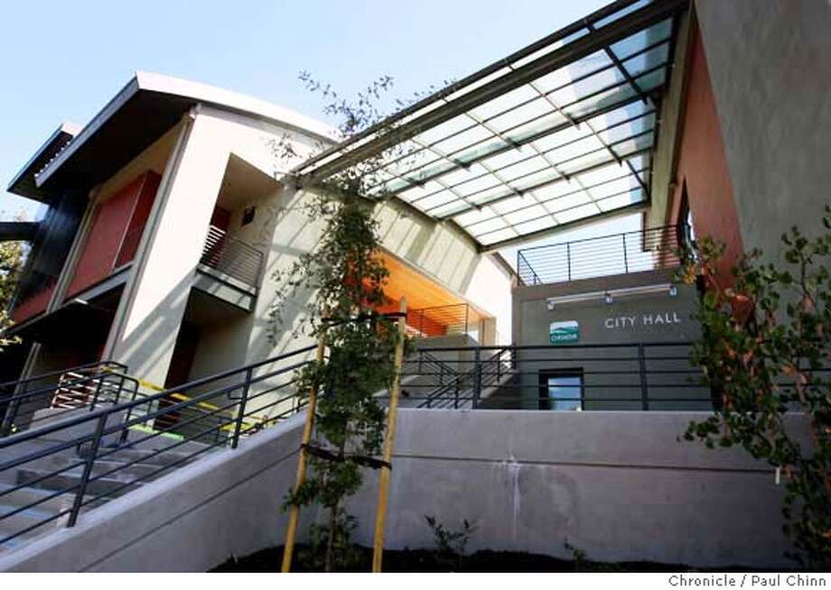 The new City Hall in Orinda, Calif. on Wednesday, August 29, 2007.  PAUL CHINN/The Chronicle MANDATORY CREDIT FOR PHOTOGRAPHER AND S.F. CHRONICLE/NO SALES - MAGS OUT Photo: PAUL CHINN