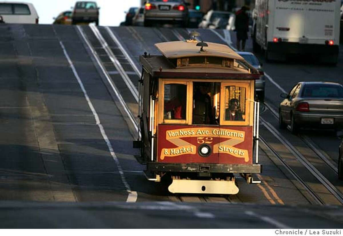 _R6V6258.JPG A cable car makes its way up California St. GAVIN NEWSOM is accusing cable operators of skimming money from fares. Photo taken on 1/18/06 in San Francisco, CA. Photo by Lea Suzuki/ The San Francisco Chronicle MANDATORY CREDIT FOR PHOTOG AND SF CHRONICLE/ -MAGS OUT.