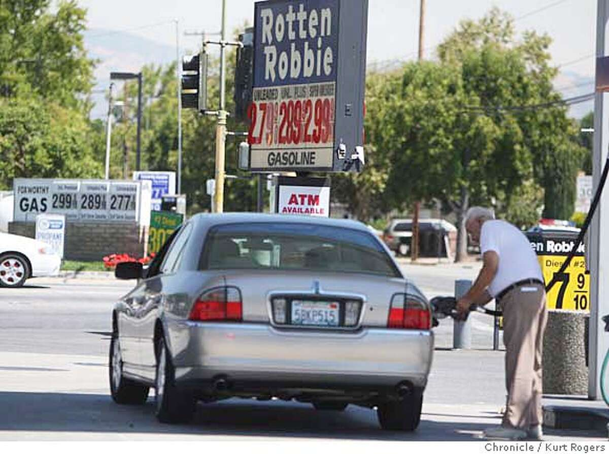 Bob Baisa of San Jose fills up at a Rotten Robbie at the corner of Meridian and Foxworthy where the gas was 279 a gallon for regular. Bob said that it was two cents lower yesterday. THURSDAY, AUG 30, 2007 KURT ROGERS SAN JOSE SFC THE CHRONICLE GASPRICES_042_kr.jpg MANDATORY CREDIT FOR PHOTOG AND SF CHRONICLE / NO SALES-MAGS OUT