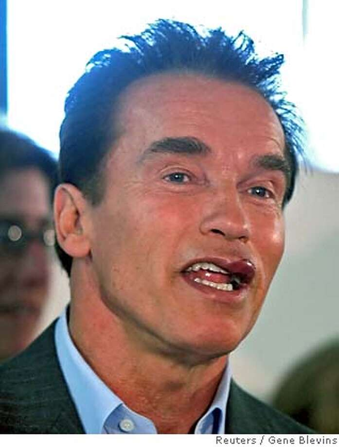 uneasy rider: schwarzenegger admits he doesn't have license to