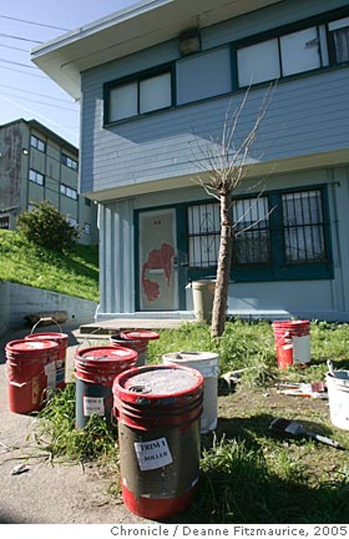 The Hunters View projects have fallen into dispair. They are being repainted residents say, because of lead in the paint. Deanne Fitzmaurice /