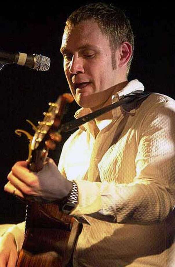 David Gray Ran on: 09-11-2005  David Gray's cynicism hasn't diminished his love of Bob Marley. Photo: Davidgray.com