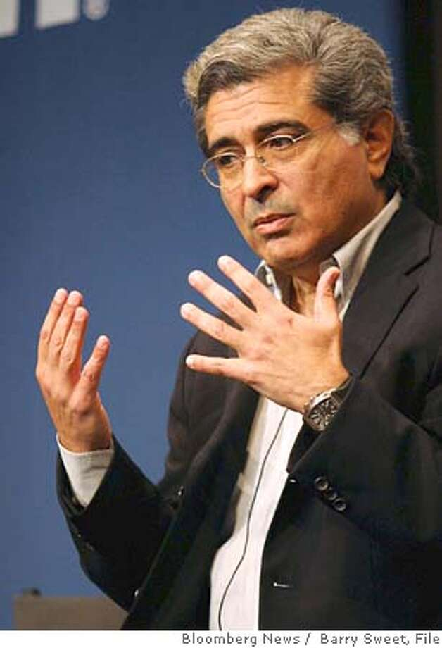 Yahoo Chairman and Chief Executive Officer Terry Semel, speaks at the Fifth Annual MSN Strategic Account Summit in Redmond, Washington, March 26, 2004. Photographer: Barry Sweet/ Bloomberg News. Photo: Barry Sweet